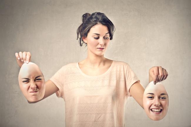 アルバイトの面接は表情が評価される