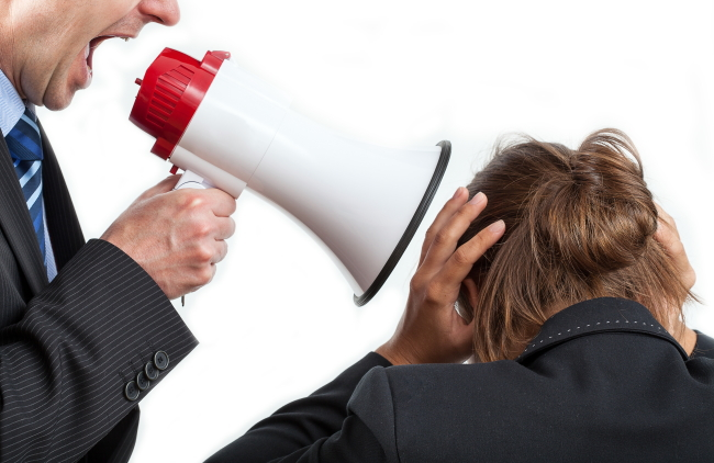 職場での褒め方と叱り方